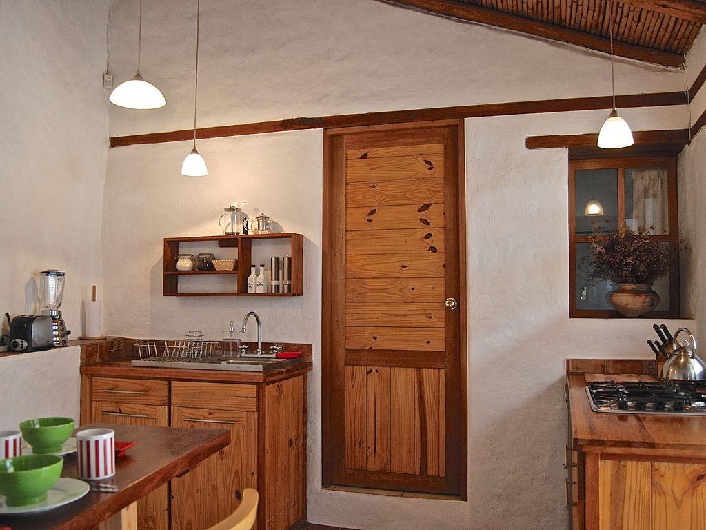 Ecuador Vacation Rentals Appartment 3 Rooms Charming House Quito  # Muebles Colineal Ecuador