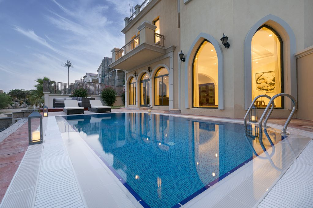 dubai holiday villas luxury palm villa with private beach pool rh vacation key com holiday rentals in dubai holiday villa rental dubai palm
