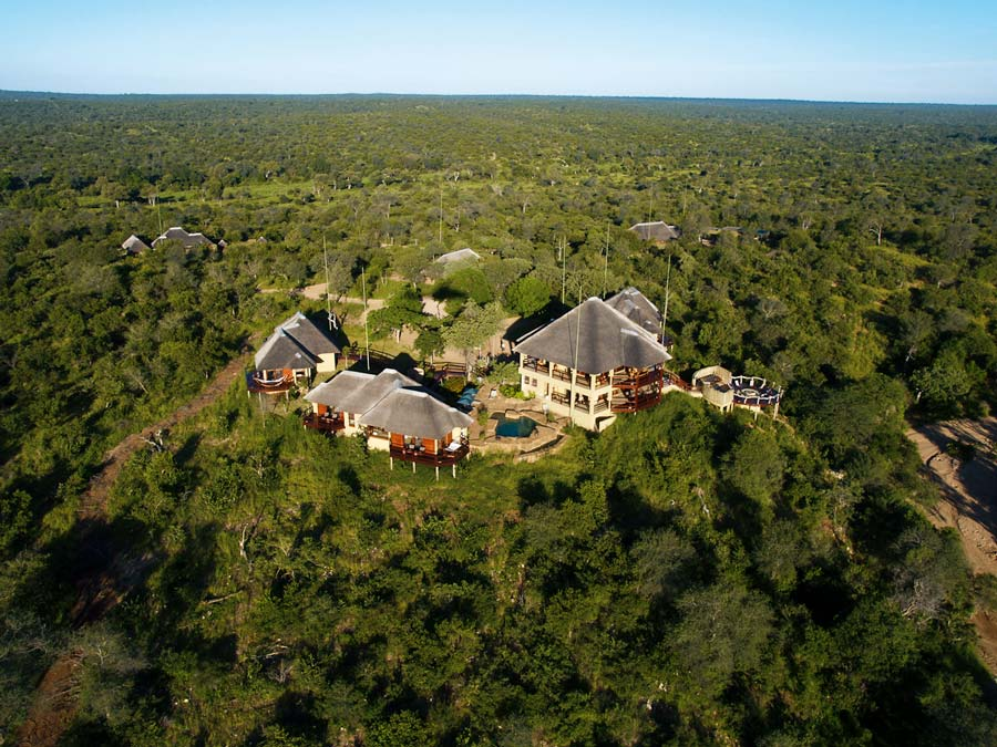 Luxury bush lodge in the Klaserie Private Nature Reserve in Hoedspruit[....]
