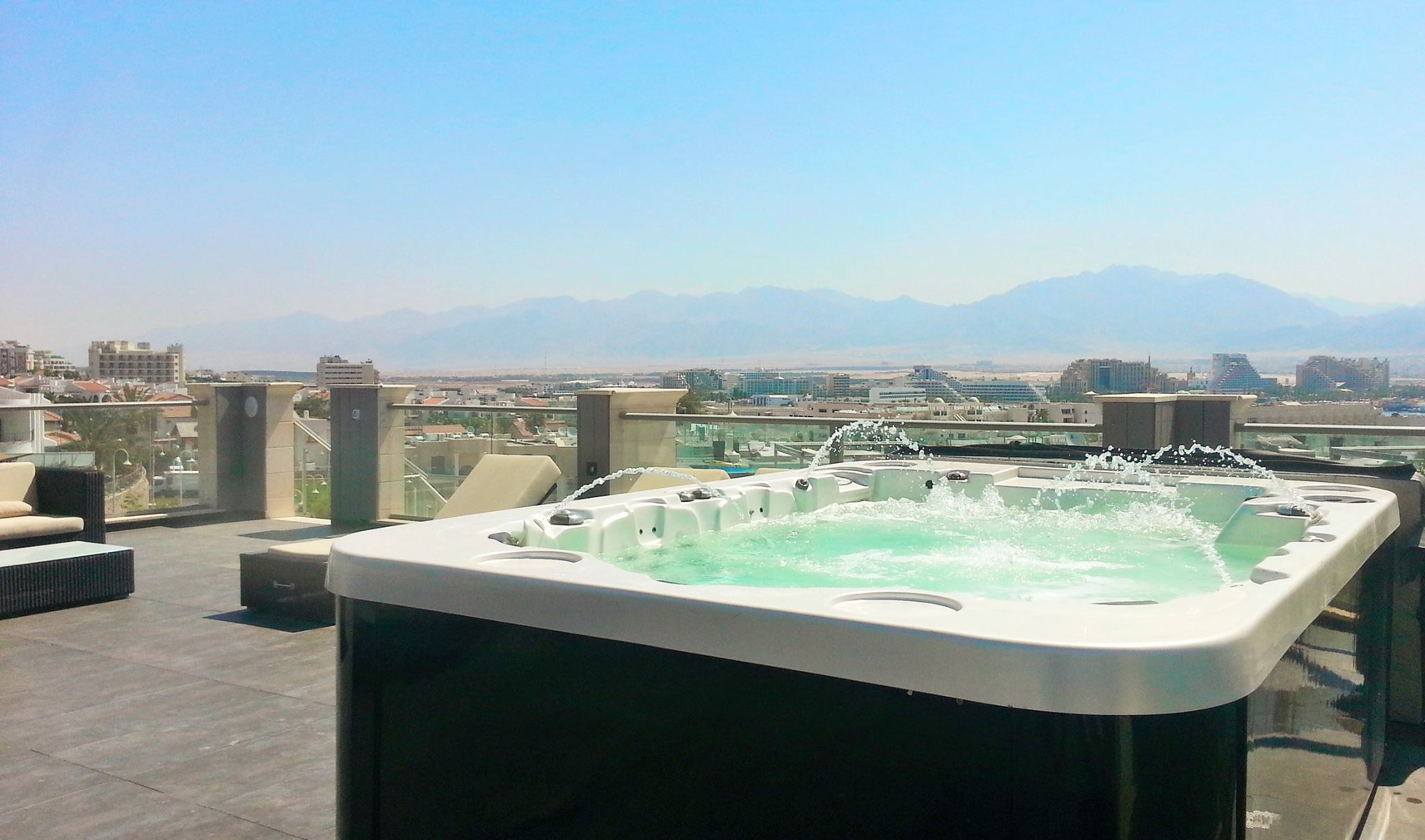 Israel Luxury Villa Rentals In Eilat With A Pool Jacuzzi Roof Terrace