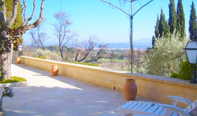 Provence luxury villa rentals Aix en Provence with private heated pool