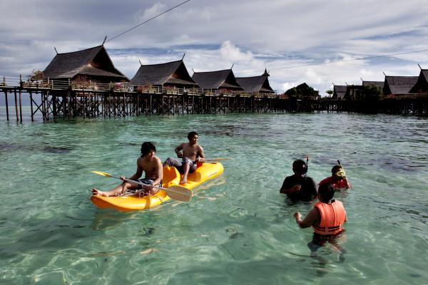 Image result for pulau kapalai