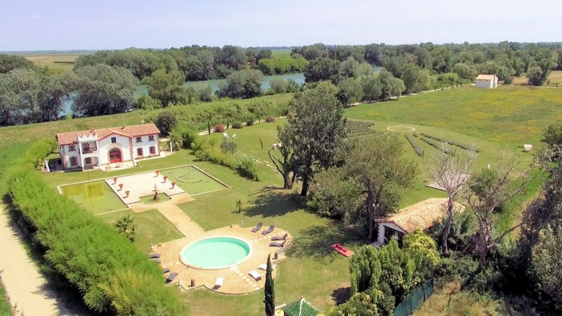 Provence Beaches villa rentals Camargue with pool and SPA