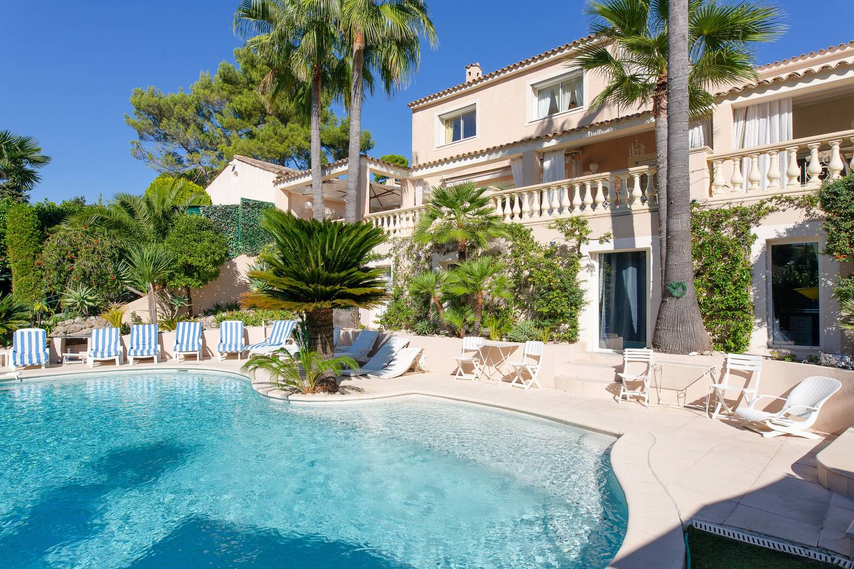 Salle De Bain Antibes luxury french riviera villa rental antibes juan les pins heated pool spa  hammam sauna concierge services (3)