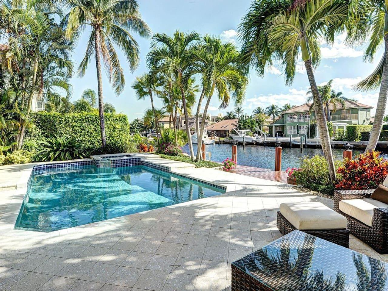 Delray Beach Waterfront villa Vacation Rentals Florida heated pool & jacuzzi