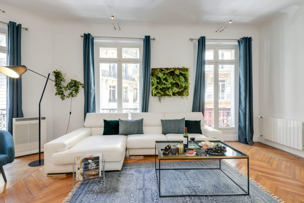 Paris Champs Elysees Luxury Apartment Rental 400m from the Champs Elysees Avenue