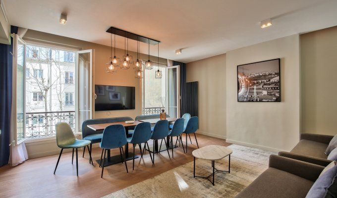 Paris Montparnasse Saint Germain Short Term Luxury Apartment rental facing the Luxembourg Parc