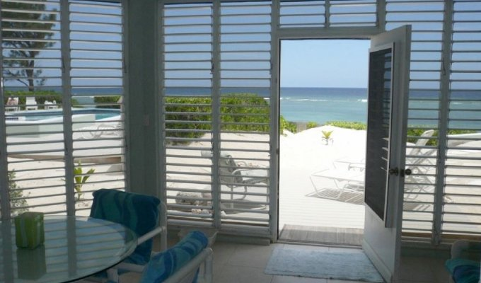 GRAND CAYMAN CONDO RENTAL AT RUM POINT OCEAN FRONT CONDO