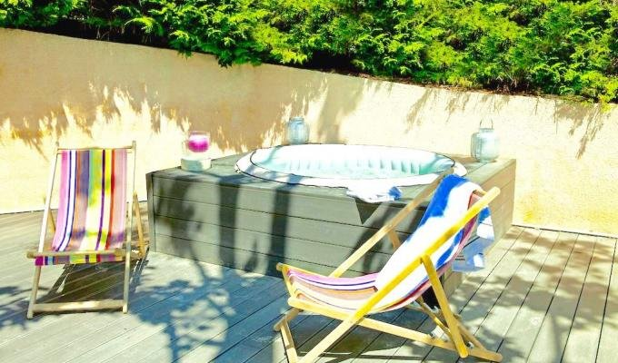 Provence Luxury villa rentals Aix en Provence with private pool and jacuzzi