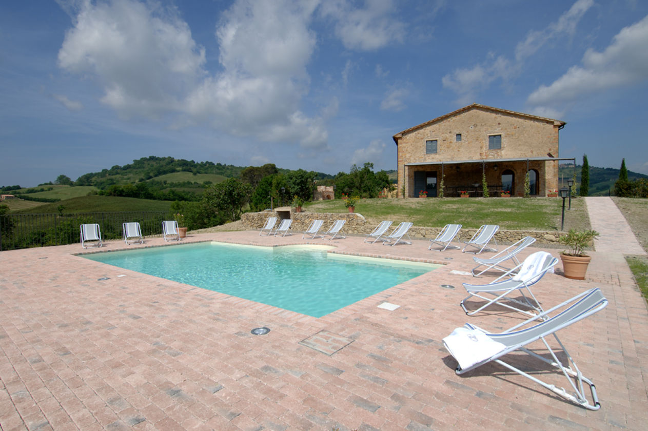 tuscany holiday villa rentals - luxury villa vacation rentals with
