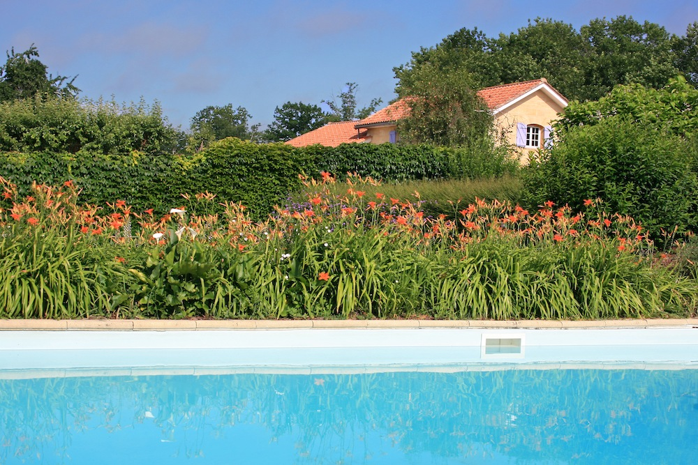 ... Swimming Pool Secured And Shared Betwenn The 4 Cottages : 12 X 6M   Chateau La ...