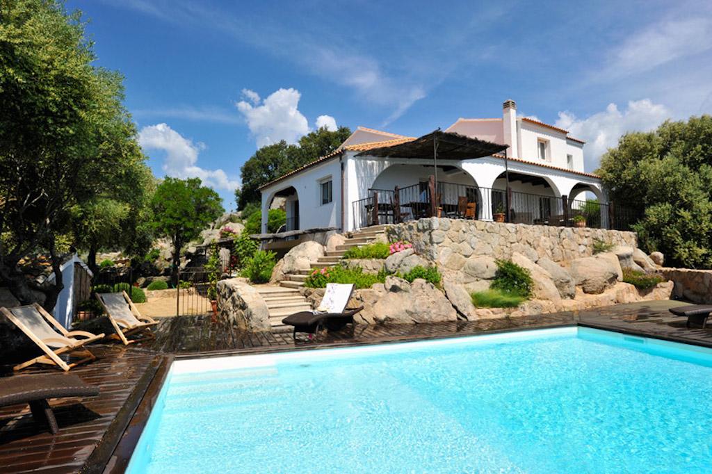 porto vecchio villa vacation rentals conditioned sea view private. Black Bedroom Furniture Sets. Home Design Ideas