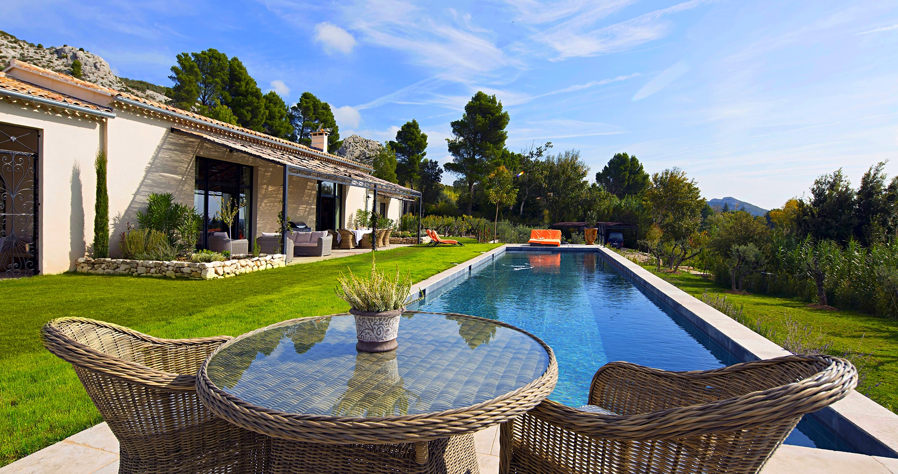 saint remy de provence luxury villa rentals with private pool staff. Black Bedroom Furniture Sets. Home Design Ideas