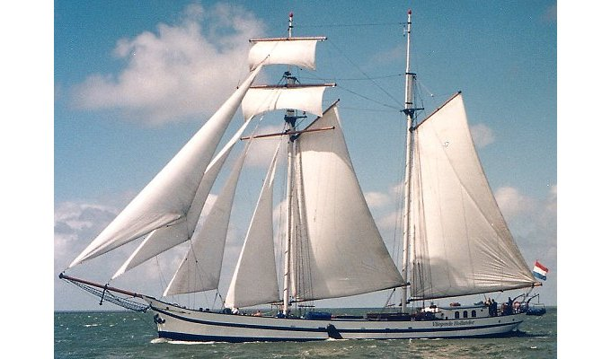 Amsterdam Bed and Breakfast on authentic sailboat, North Holland