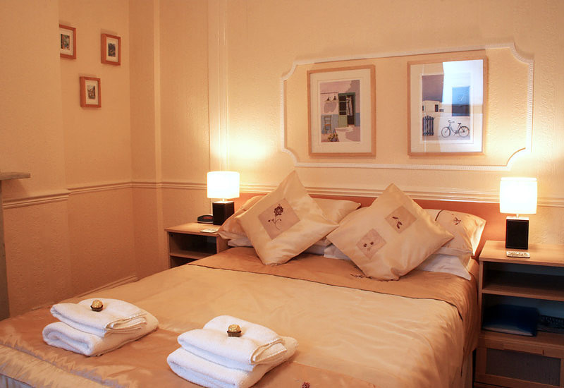 Lawnswood Guesthouse Bed and Breakfast Devon South West England