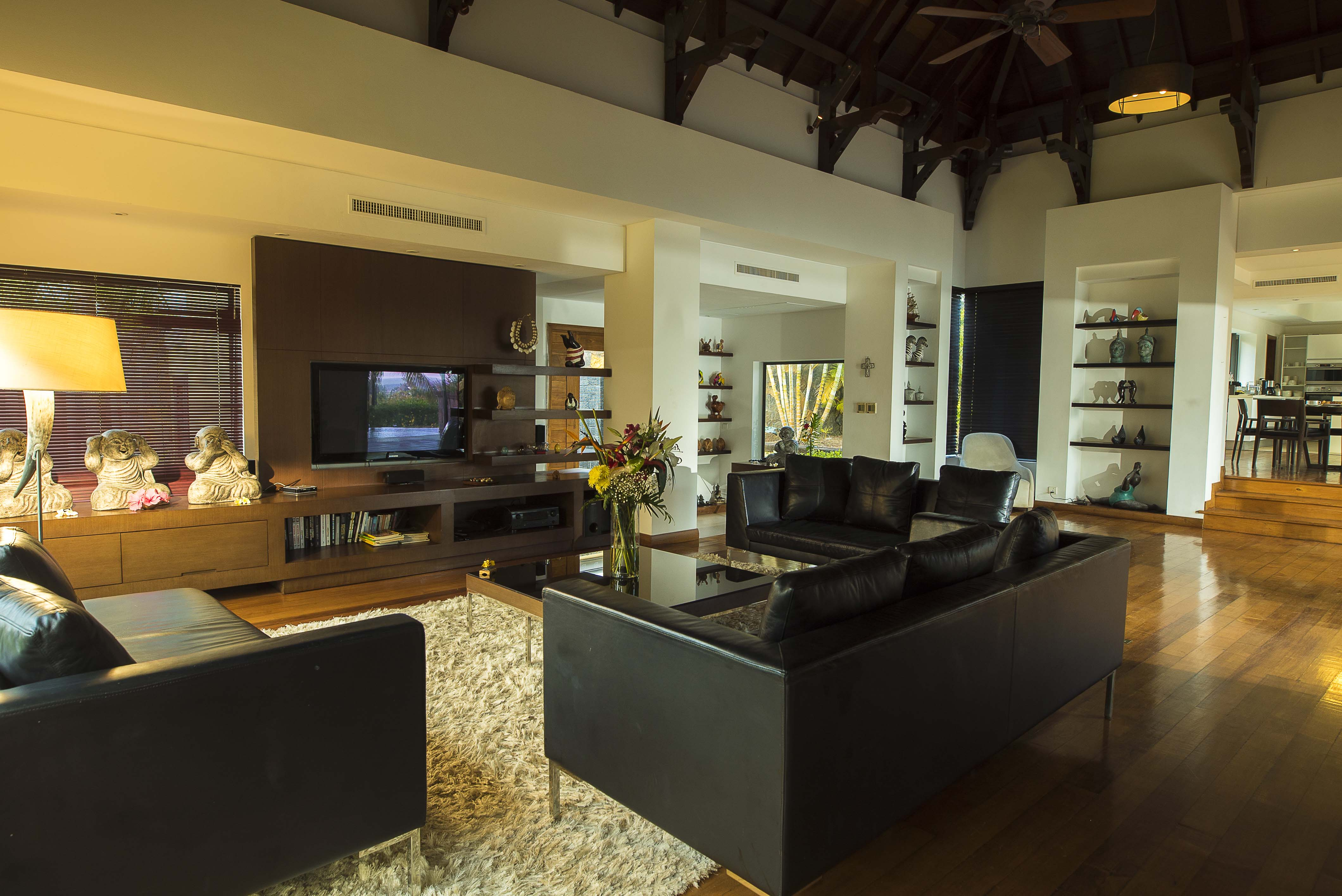 Mauritius beach house rentals in roches noires beach east for Beach houses on the east coast