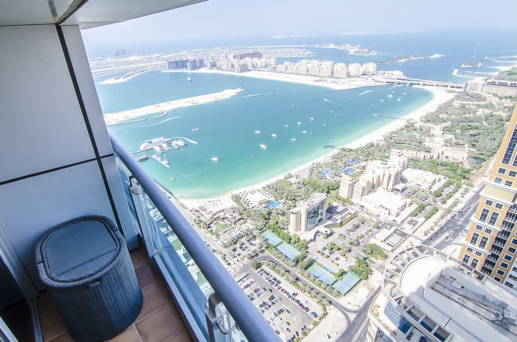 Dubai Condo Rentals In The Princess Tower With Panoramic View Of The Marina