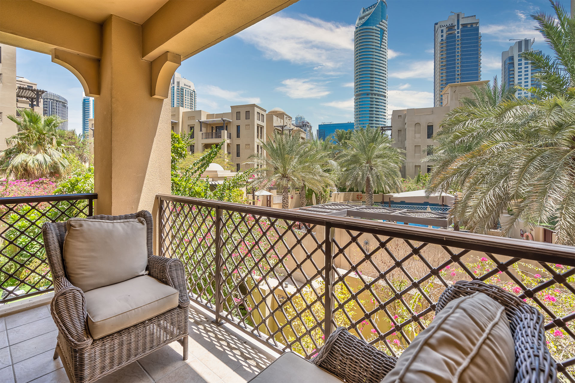 Dubai Holiday Rentals Luxurious 2 Bedroom Apartment Burj