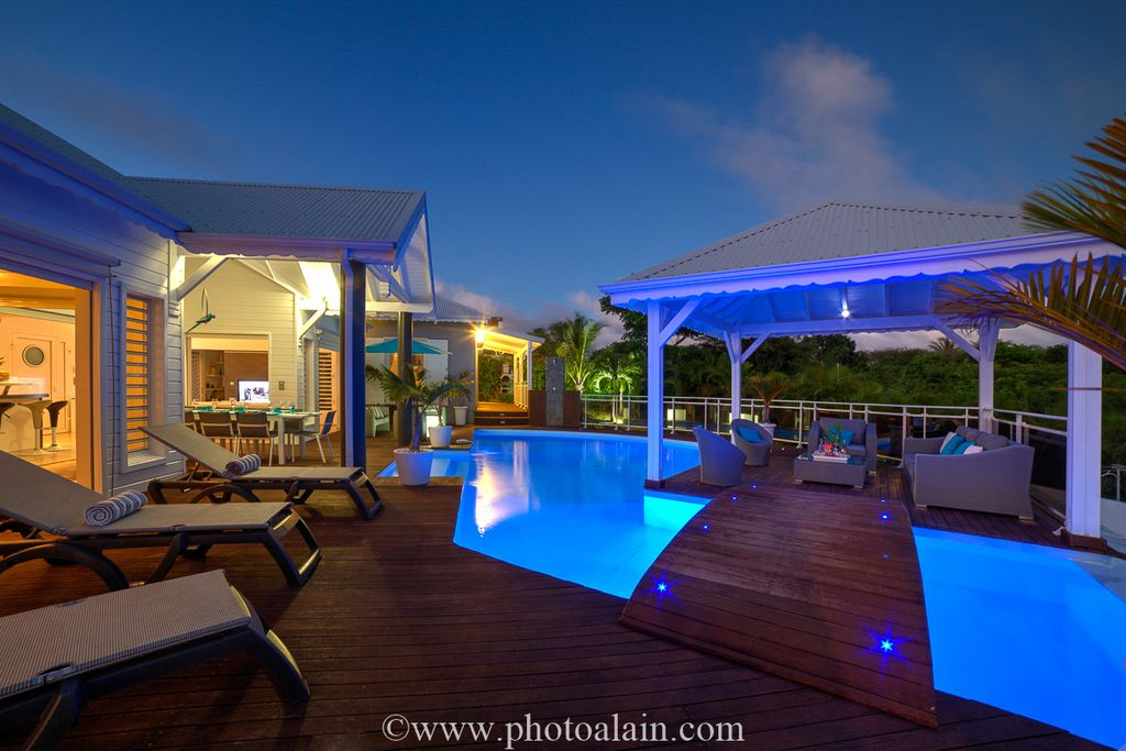 Guadeloupe villa rentals saint anne guadeloupe with a for Club piscine liquidation quebec
