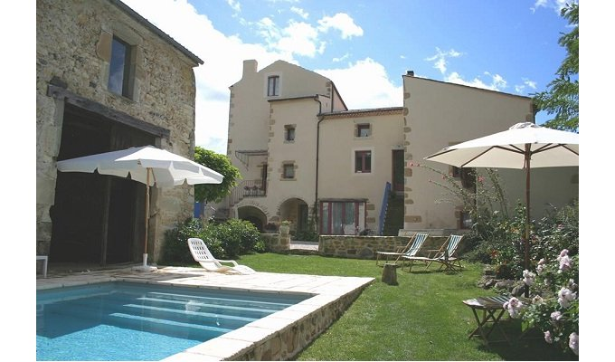 Auvergne Bed And Breakfast With Pool And Spa Near Clermont Ferrand
