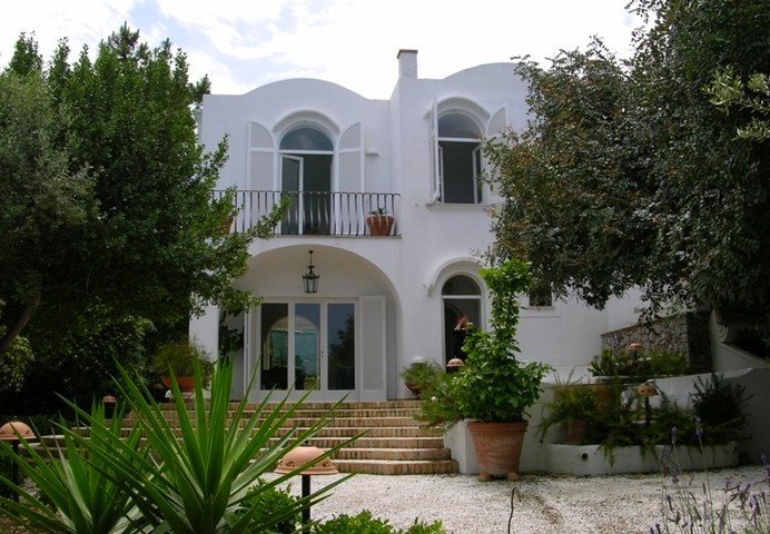 Luxury Villa Vacation Rentals Up To 6 Persons In Capri Island