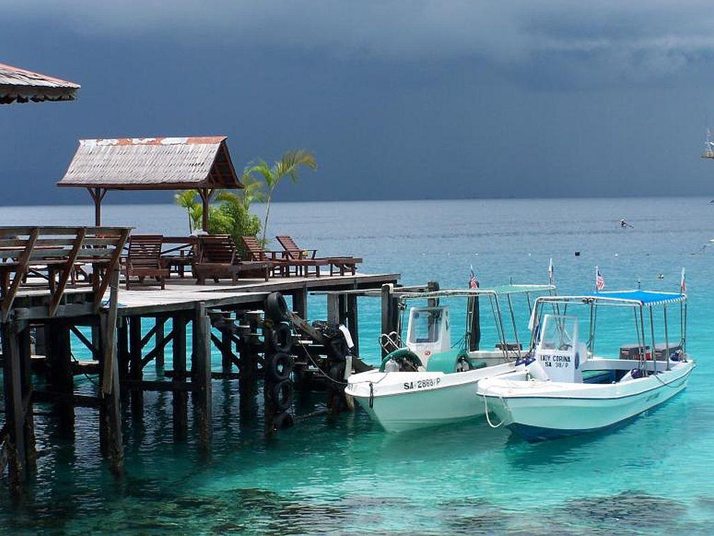 Malaysia tour package borneo mabul island - Sipadan dive centre ...