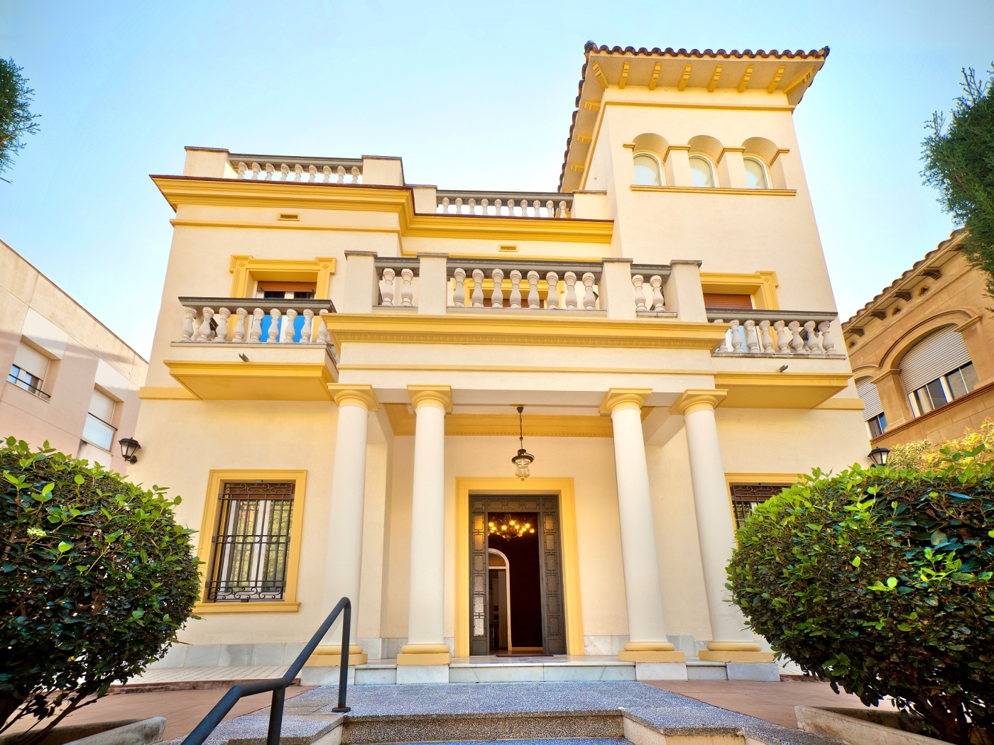 Villa to rent in Barcelona for 16 guests