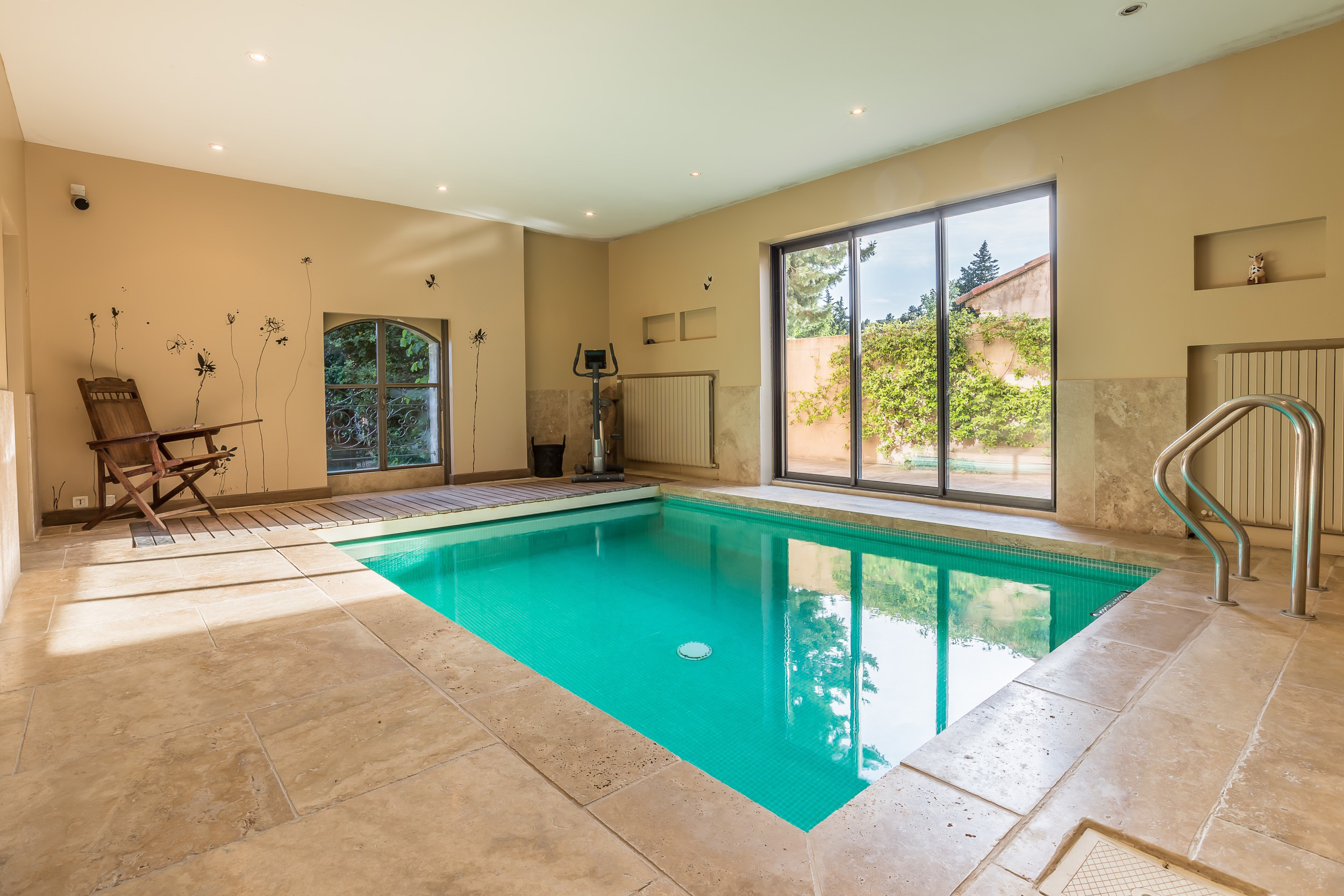 Saint Remy de Provence Luxury villa rentals with heated private pool and  hammam (2)