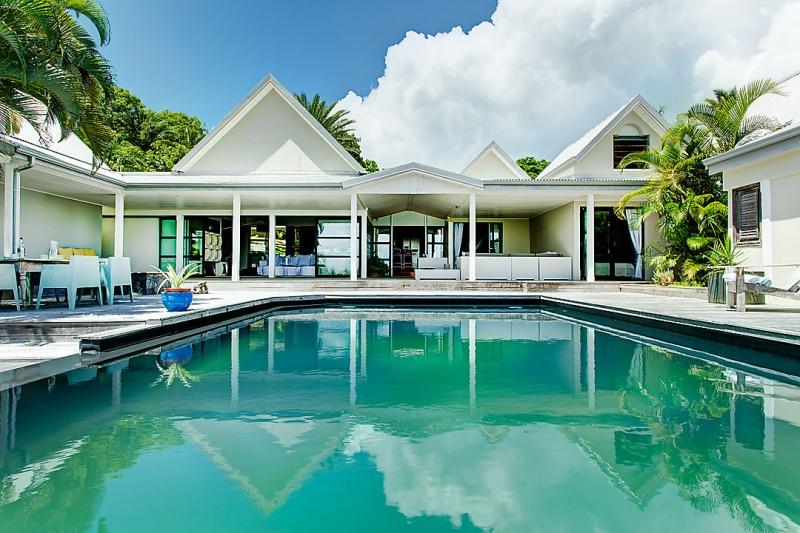 Guadeloupe Luxury Villa Rentals In Sainte Anne At 300 M