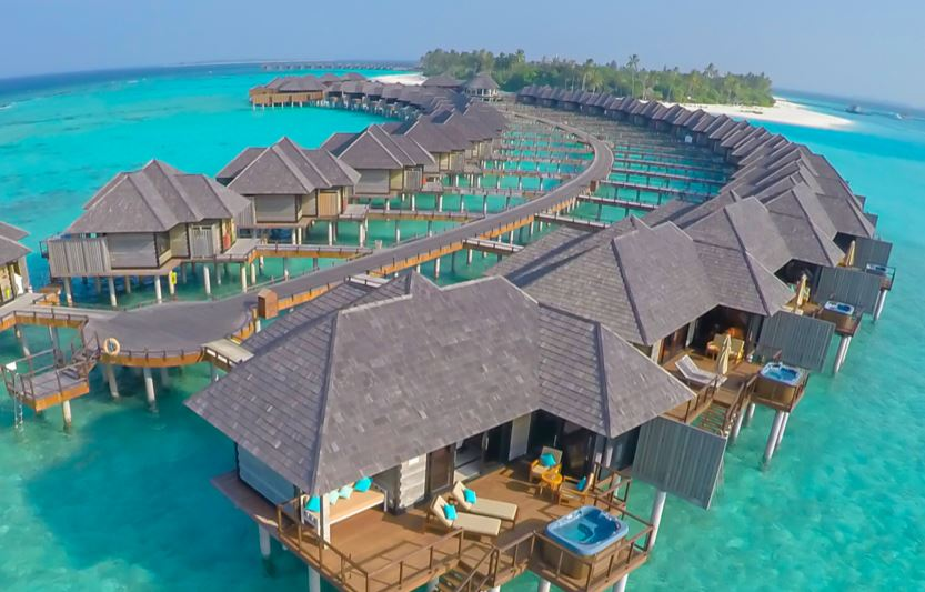 Maldives Luxurious Villa Vacation Rentals With Open Sun Deck Area Reaching Out To The Lagoon With Infinity Pool 1