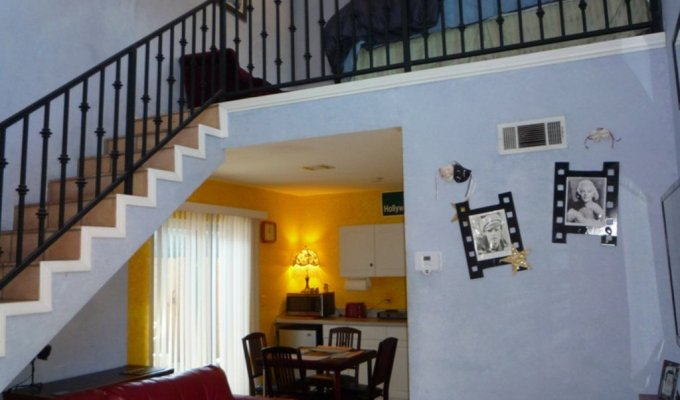 Los angeles apartment vacation rental close to the old for Los angeles holiday rental