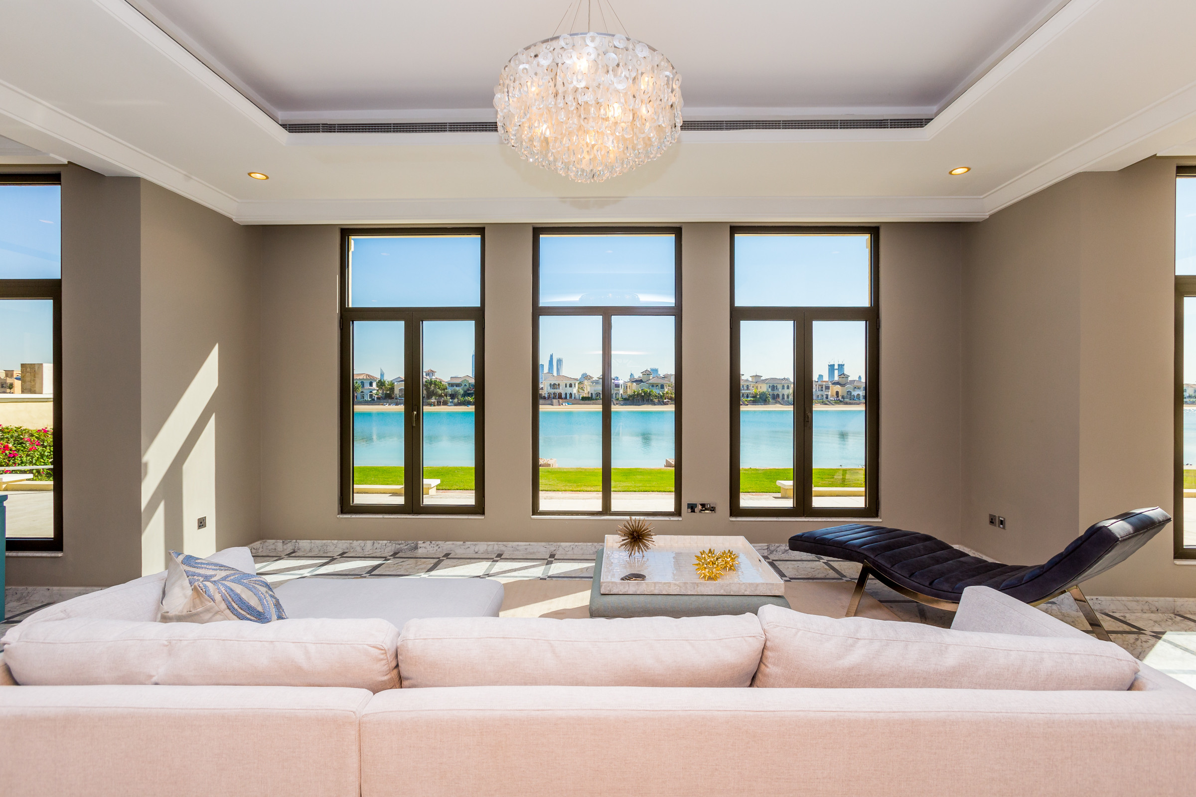 Dubai Holiday Villas