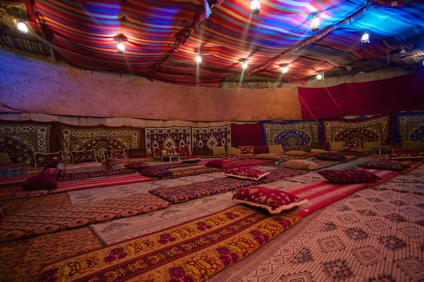 Photos & Israel Restaurant  Vacation Villa u0026 Bedouin tent in Mitzpe Ramon ...