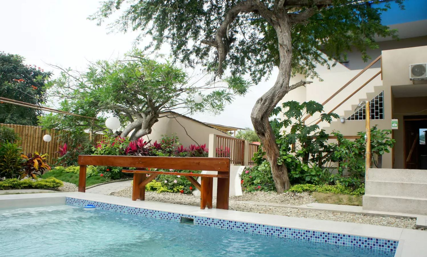 Garden With Swimming Pool ecuador bed and breakfast in comfortable studios 5 persons with swimming  pool and garden close to the beach in olon (3)