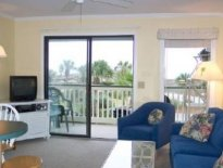 WaterFront/Beachfront Luxury Condo-10 miles dwntn